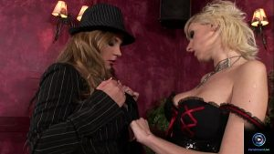 imagen Dorothy Black and Alexis dildoing their yummy pussies