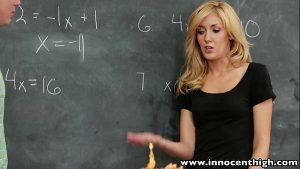 imagen InnocentHigh Sexy blonde schoolgirl banged in the classroom