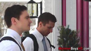 imagen Muscly gay mormon jizzes