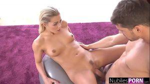 imagen NubilesPorn – Tight Blondes Cock Sucking Workout