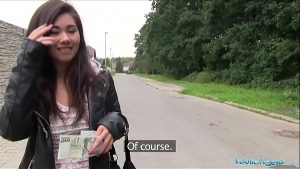 imagen Public Agent Asian cutie fucked by a stranger for money