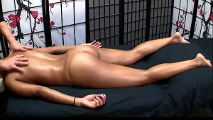 imagen Sexy Asian gets Erotic Massage and Happy Ending